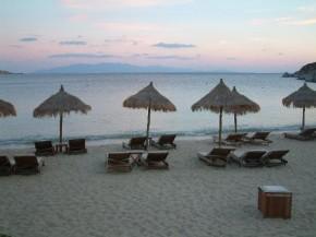 пляжи Айос-Иоанис