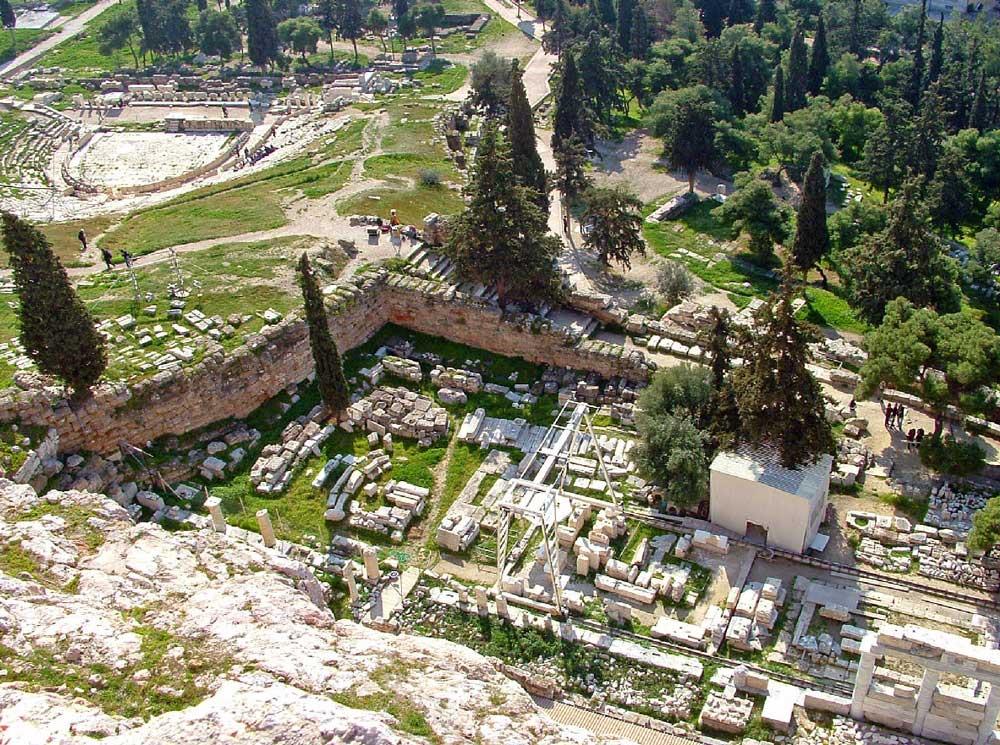 Самые древние постройки Акрополя