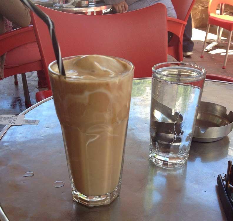 Как подают кофе Фраппе