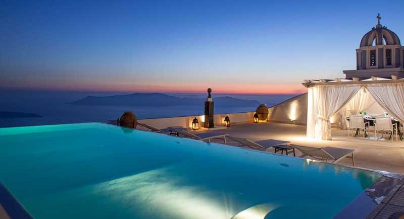 Отели Санторини с видом на вулкан