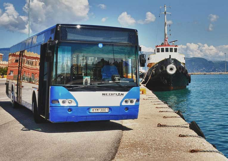 Автобус Палеокастрица на Корфу
