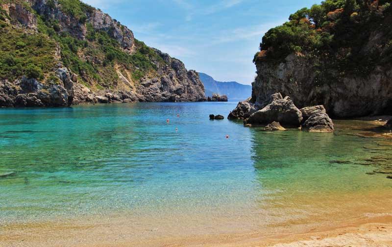 Палеокастрица море и пляж