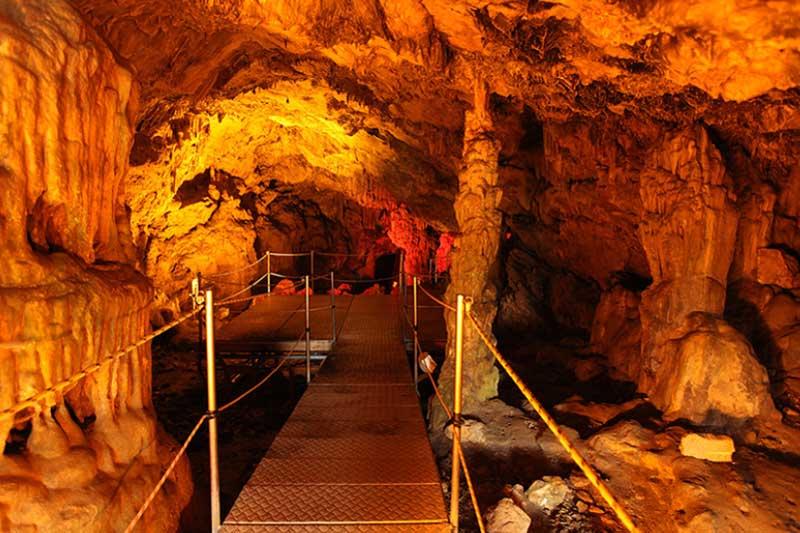 Сталактитовая пещера Сфендони