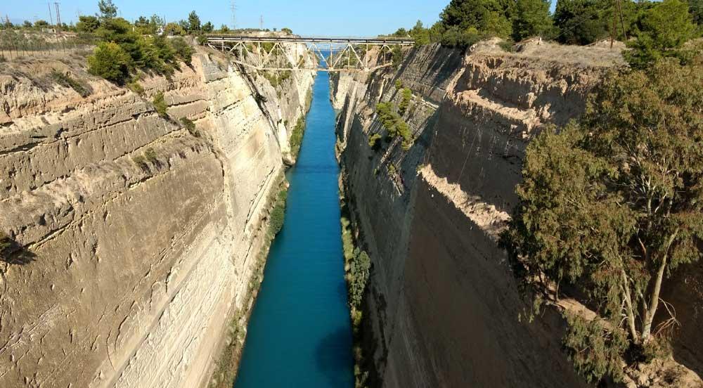 Коринфский канал со смотровой площадки