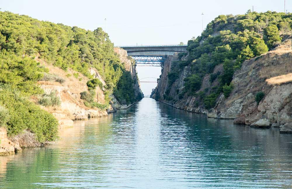 Вход в Коринфский канал
