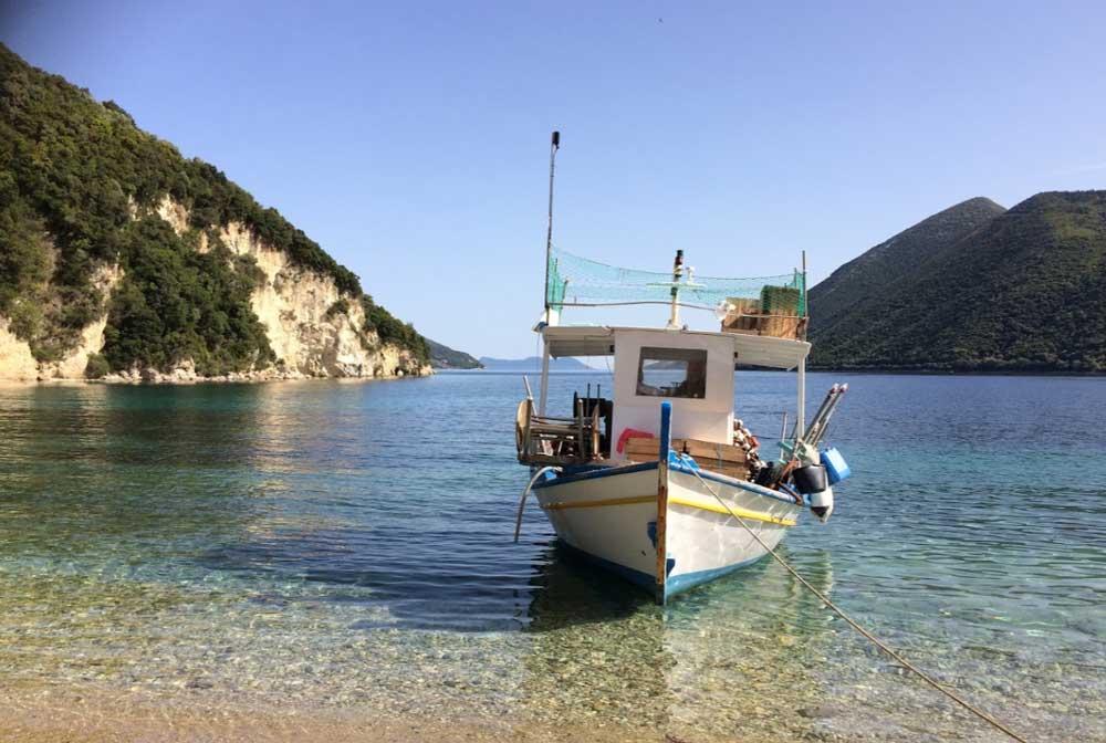 Яхты в Лефкада