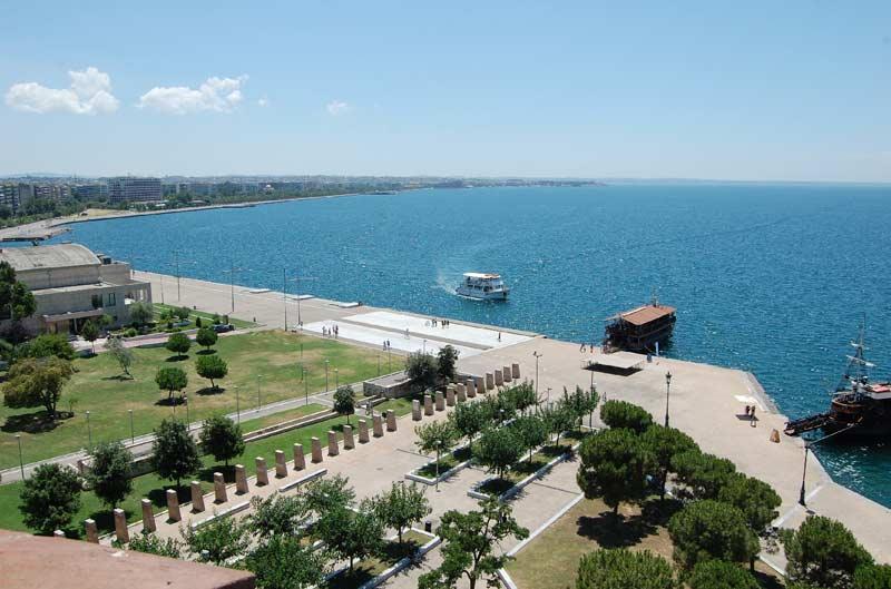 Вид с белой башни Салоник на море