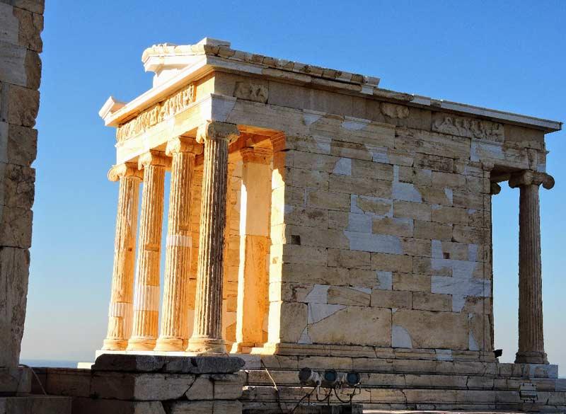 Храм Ники Аптерос в греческом Акрополе