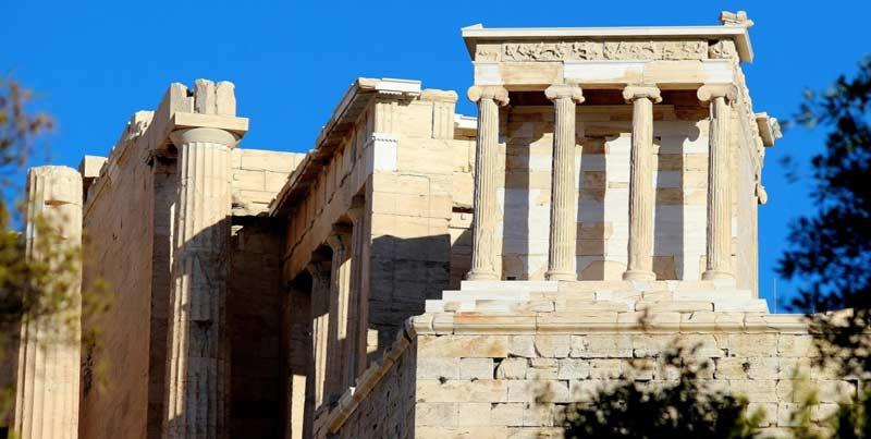 История храма Ники Аптерос
