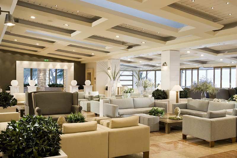 Ресепшн в Отеле Сани Клаб