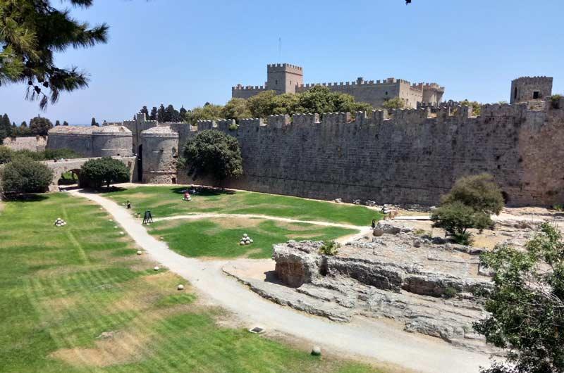 Фото Родосской крепости