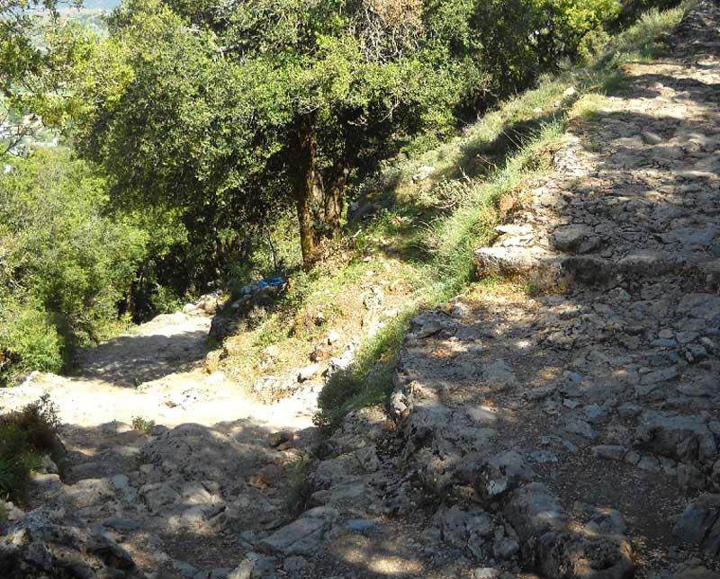 Путь к пещере Зевса на Крите
