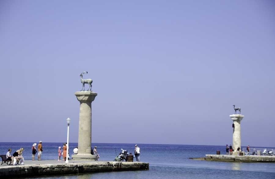 Статуя Гелиоса в Родосе