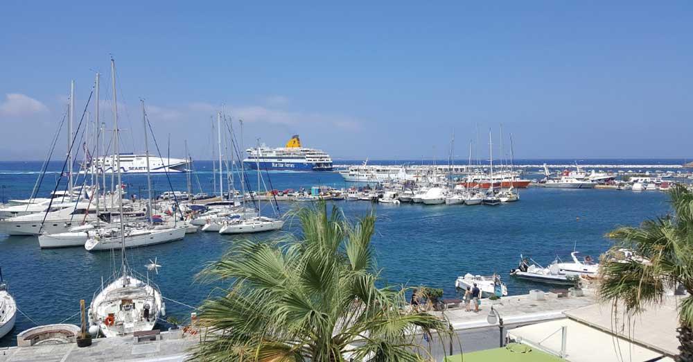 Порт Наксос