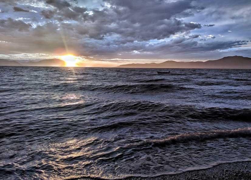 Пляж Пефкоса
