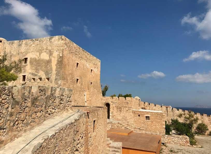 Замок в городе Сития Крит