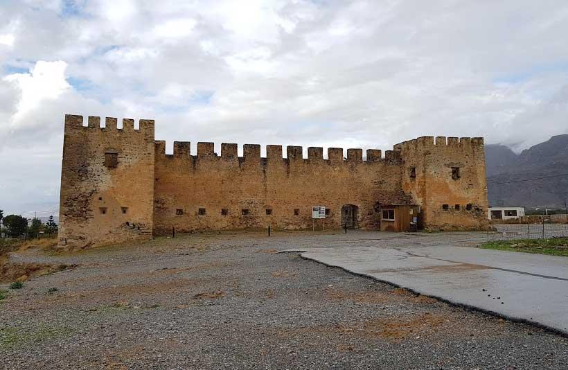 Замок Франгкостелло