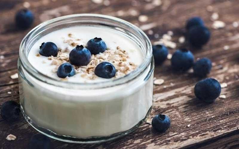 Греческий йогурт с ягодами