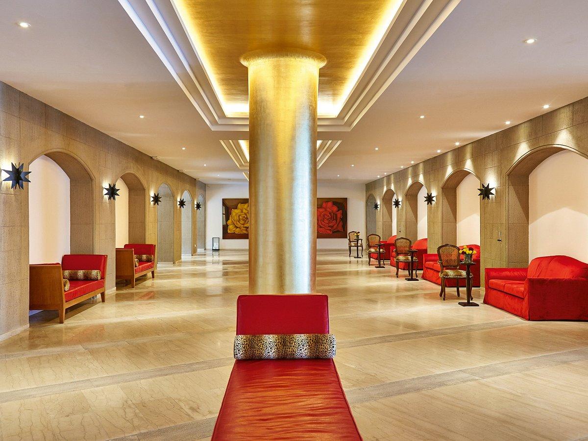Лобби в отеле Ресторан отеля Grecotel Rhodos Royal