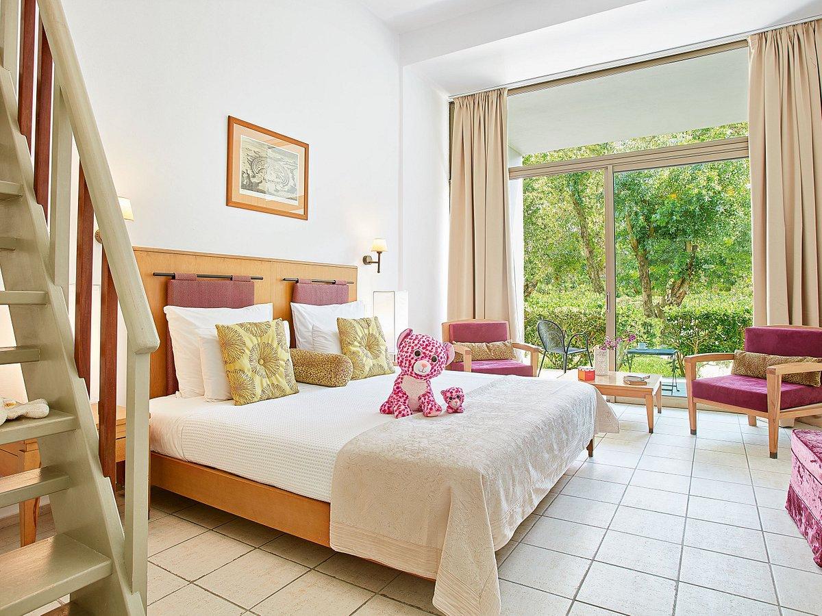 Бунгало в отеле Grecotel Rhodos Royal
