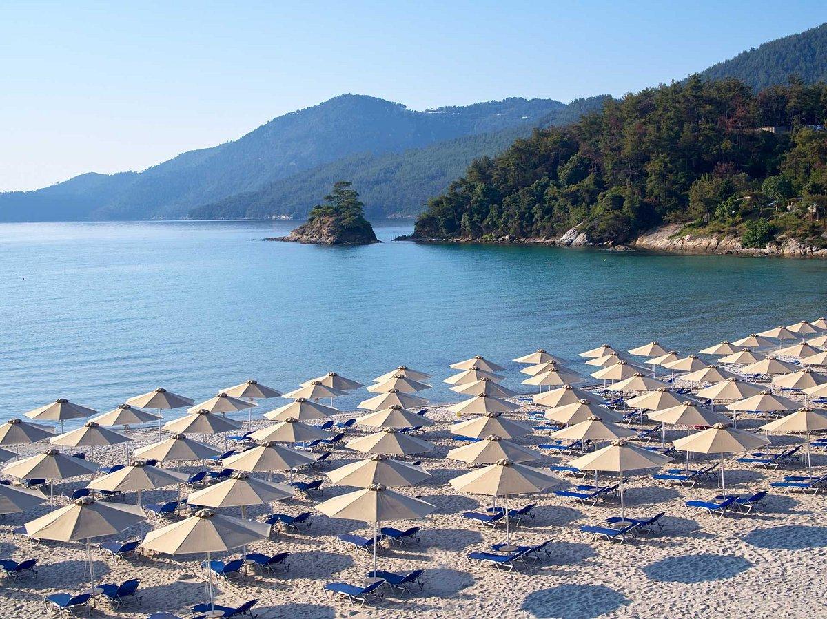 Пляж недалеко от отеля Макриамос
